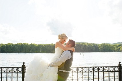 Weddings engagements archives images by lisa i iowa - Design homes prairie du chien hours ...